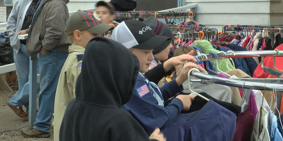 Hundreds show up for fourth annual Coat and Winter clothes drive