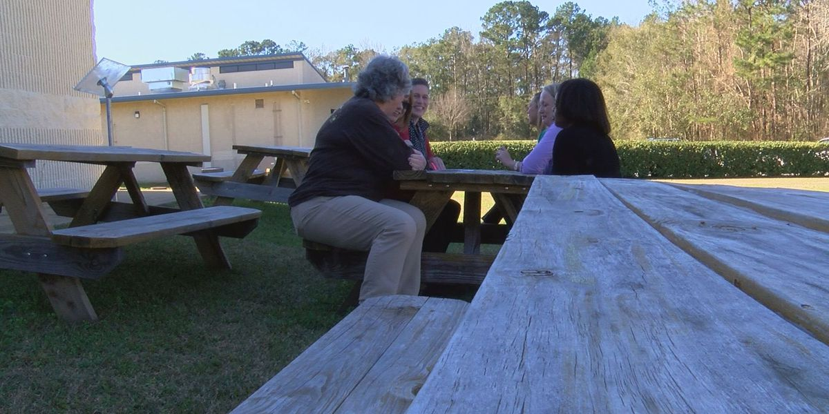 Cross Creek Elementary uses grant for outdoor classroom