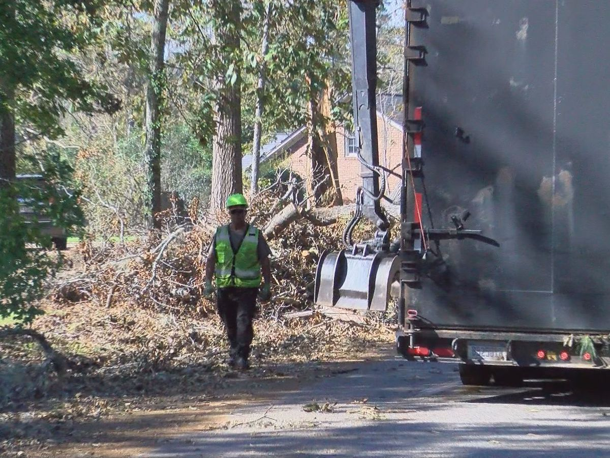 Dougherty County crews begin to clear Hurricane Michael debris