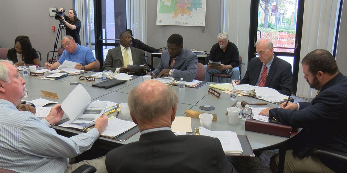 Dougherty Co. leaders want more answers before rescinding car bid