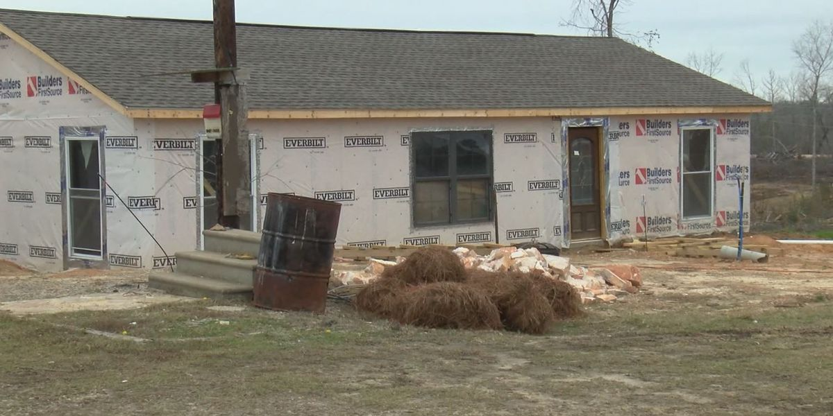 Lee County tornado survivors spend holidays cleaning up