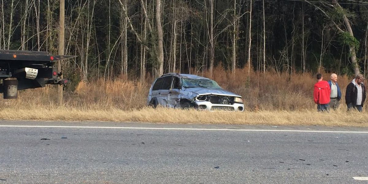 Firefighter praised for rescue after Hwy 82 wreck