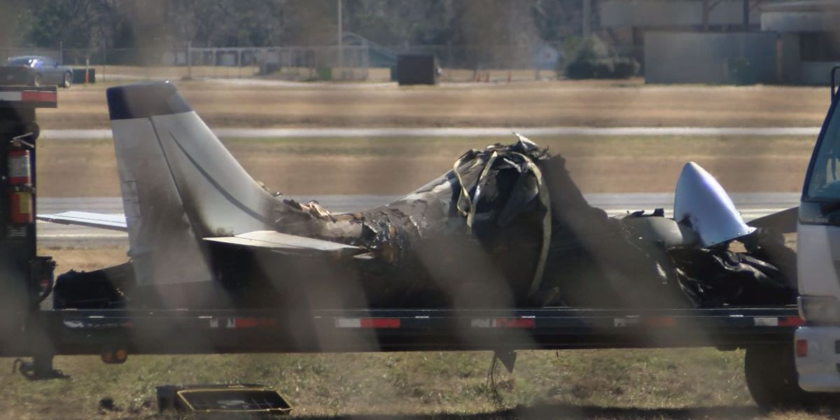 Crashed plane removed for study