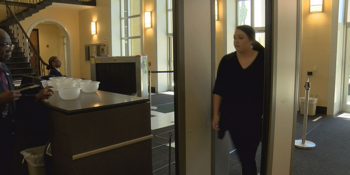 People continue to bring banned items to Dougherty Co. Courthouse