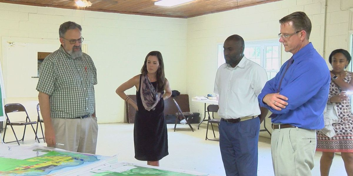 Dougherty Co. Commission presents Radium Springs plan to community