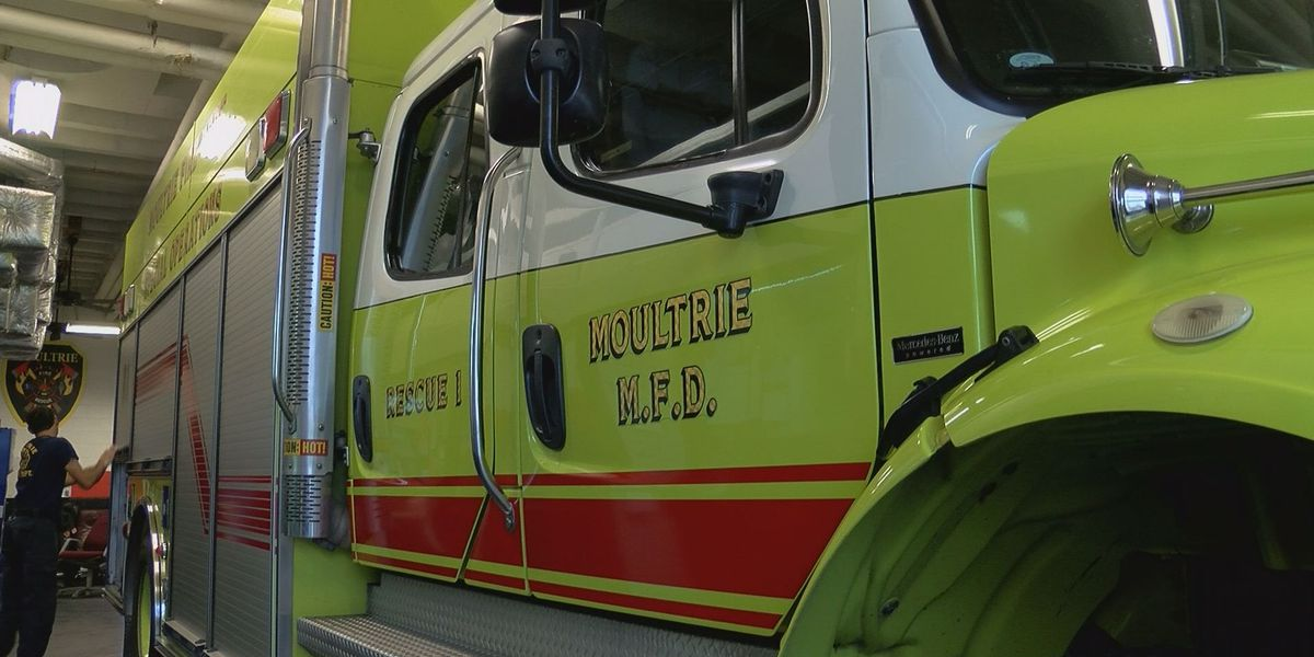 Moultrie Fire Department gets oxygen mask donation