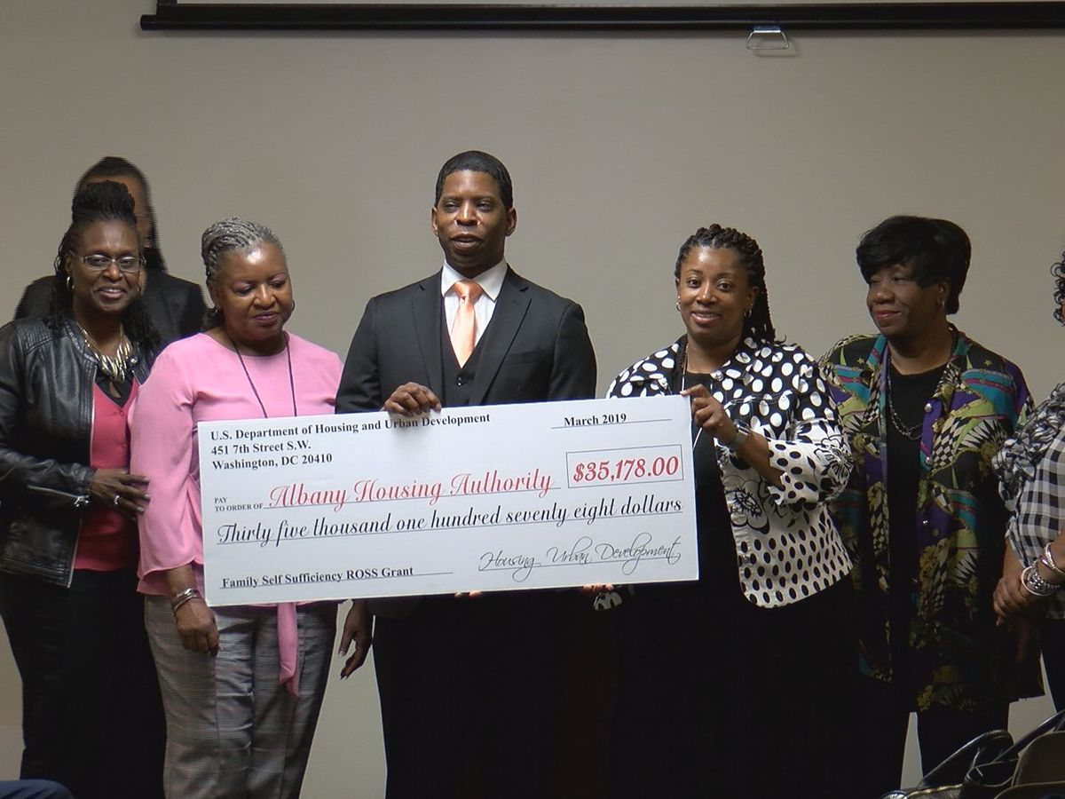 Albany self-sufficiency program accepts grant to help those in need