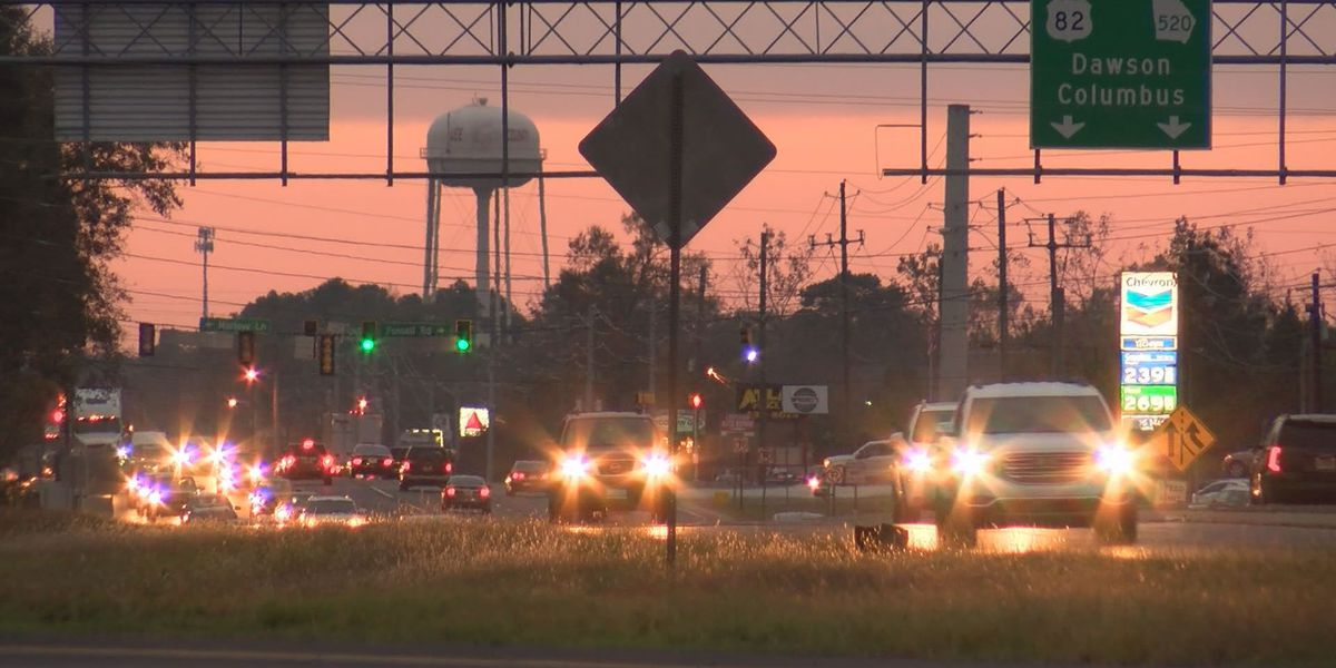 Valdosta police talk holiday travel safety