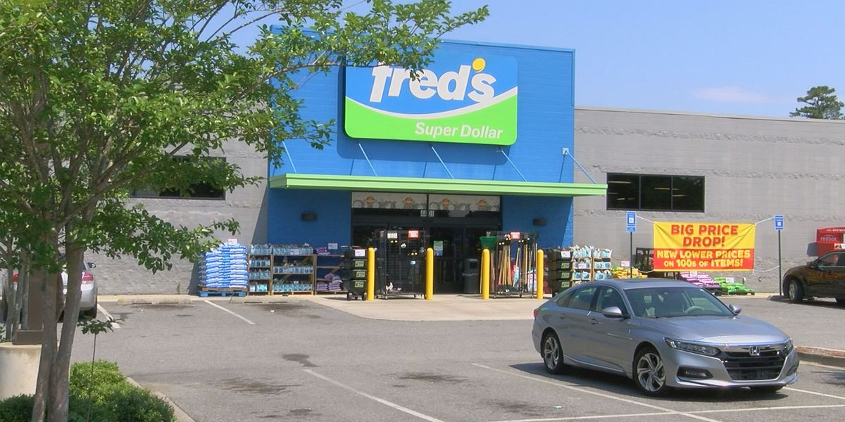 Customers react to Fred's closing