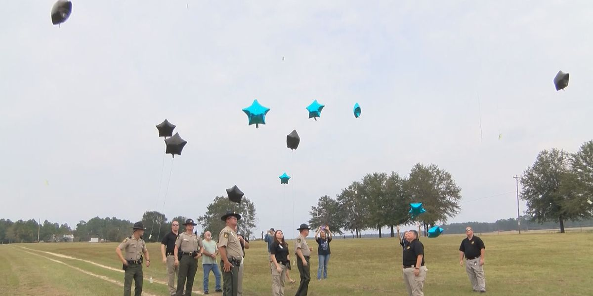 Loved ones honor fallen deputy one year after his death