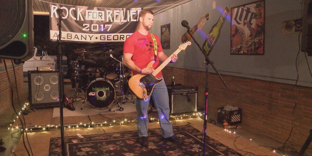 Albany lounge hosts Rock the Relief for storm survivors