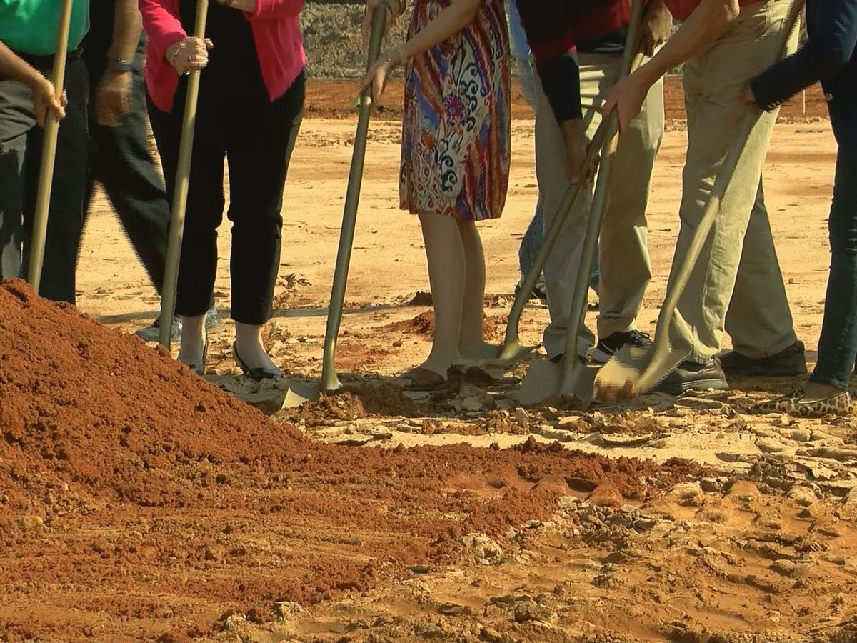 One Leaf Community Store breaks ground in east Albany
