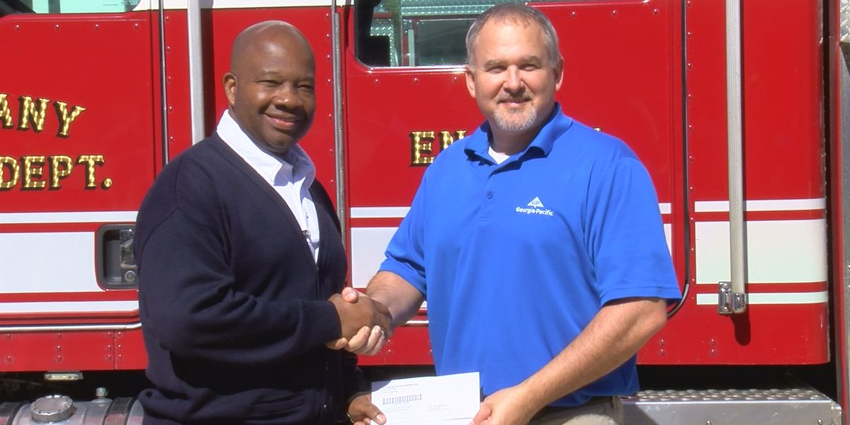 Georgia-Pacific donates $10,000 to Albany Fire Dept.