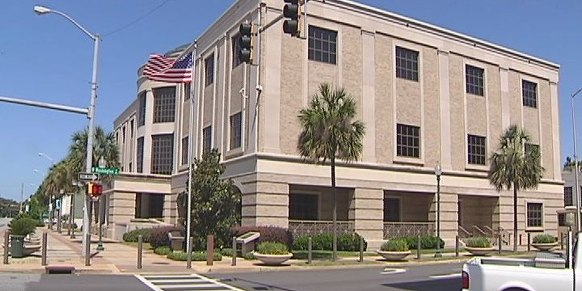 Jury selection underway in deputies trial