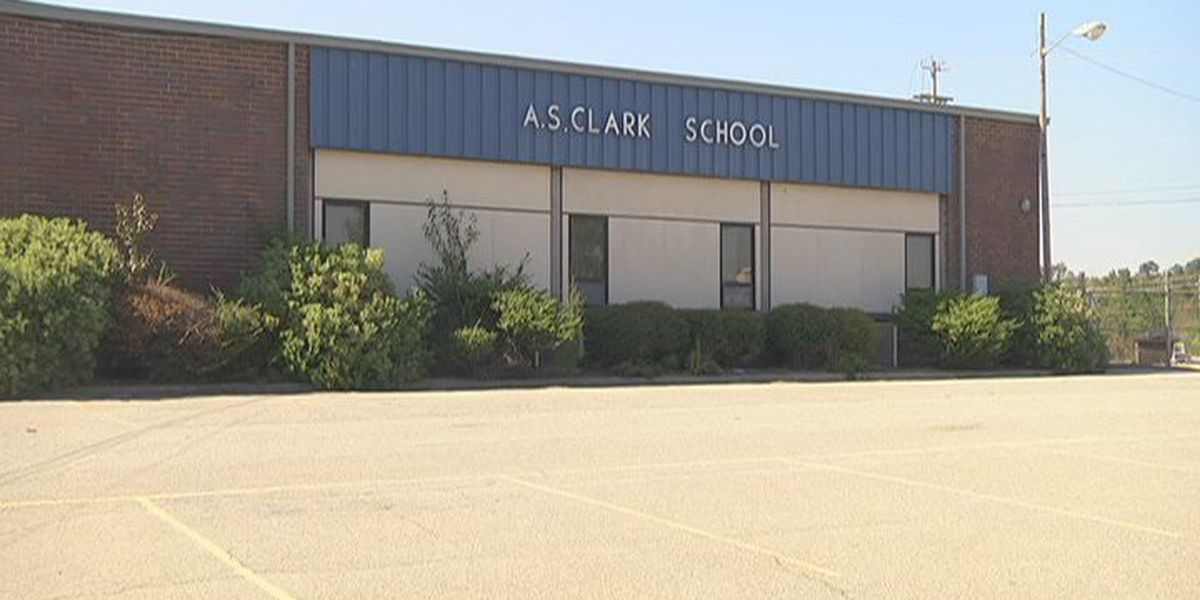 Old elementary school could be used as a recreation center