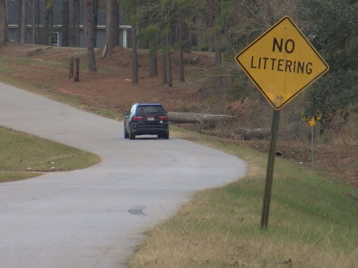 Unpaved road causes problems for emergency crews