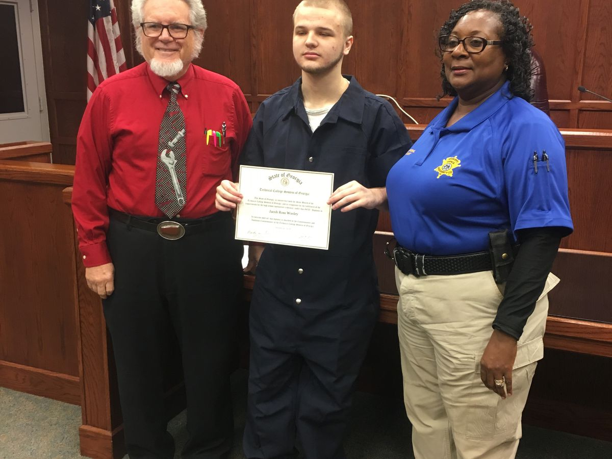 Dougherty Co. inmate earns GED