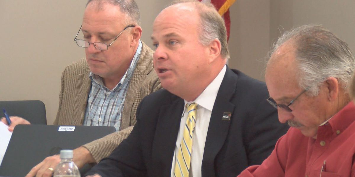 Lee County officials consider communication system upgrades