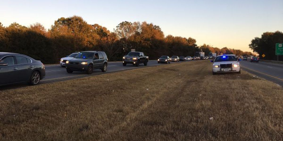 Officials respond to wreck on Liberty Expressway