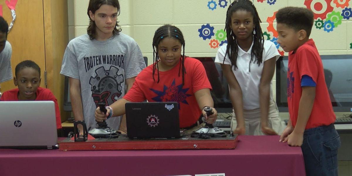 Albany elementary school unveils new STEAM lab