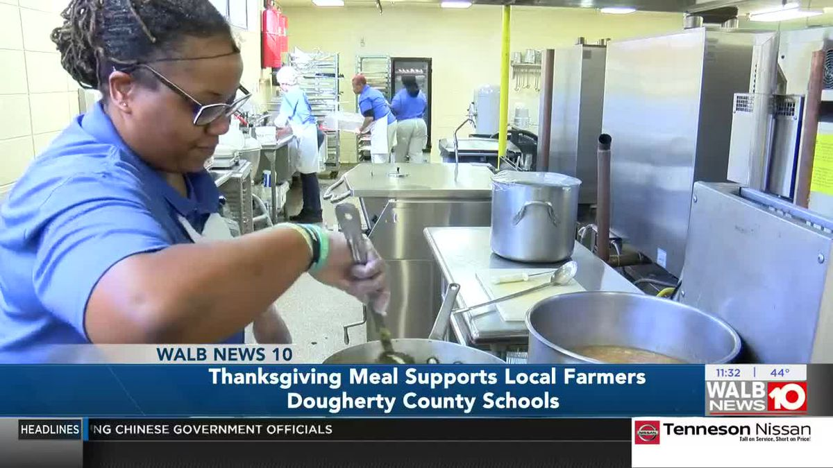School district hosts special Thanksgiving meal while supporting local farmers