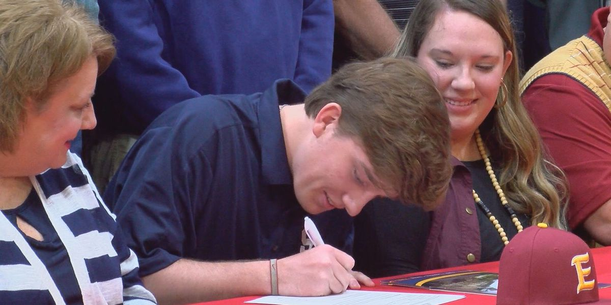 Patrick Burke signs with Emmanuel College
