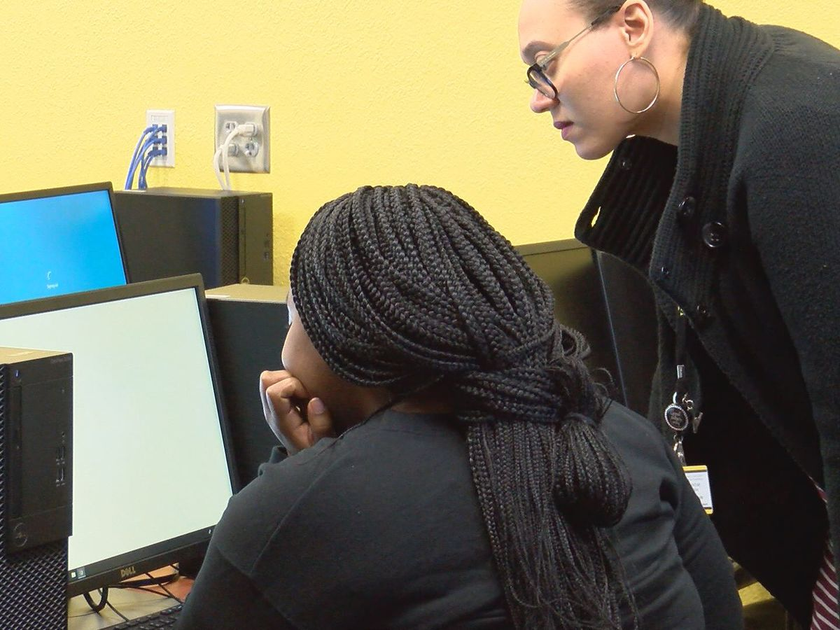Valdosta High offers Georgia's 'Apply to College' workshops