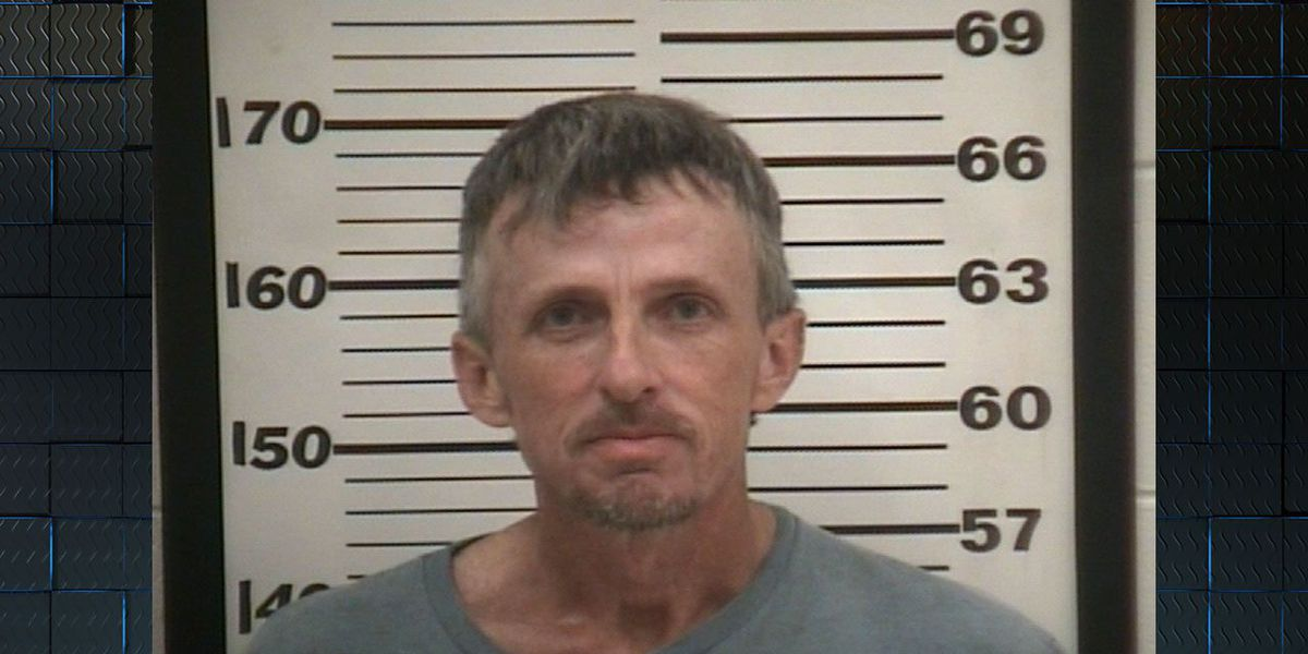 Sheriff: Inmate escapes from work detail