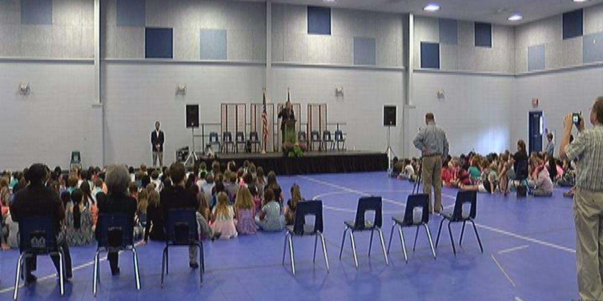 State School Superintendent visits Cook Elementary
