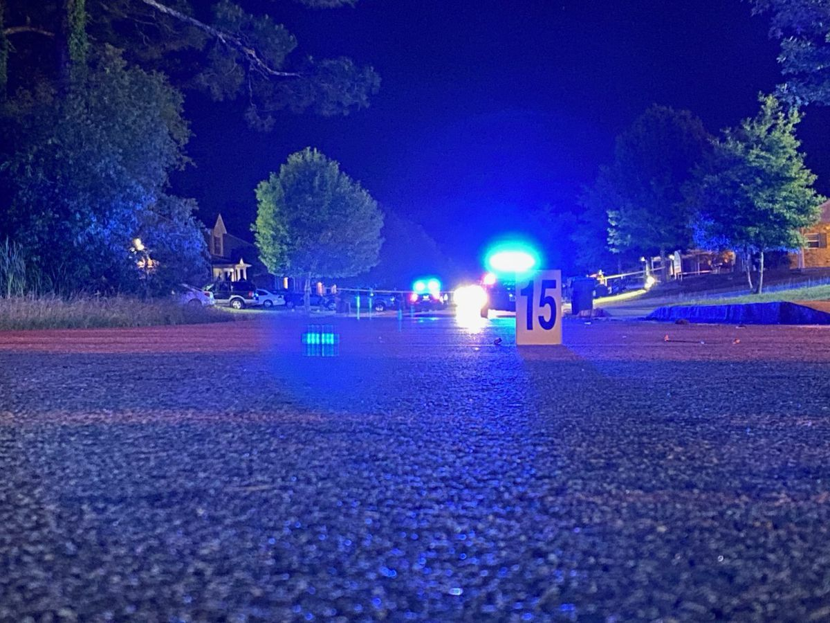 Albany police: 1 injured in shooting on Hickory Lane