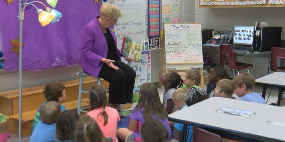 Georgia's First Lady reads to students