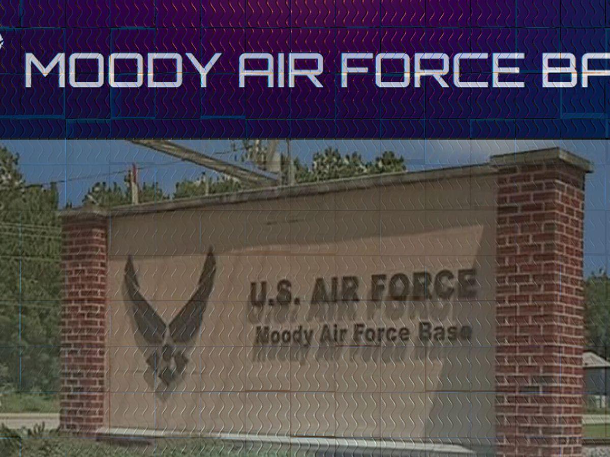 Moody AFB aircraft makes emergency landing