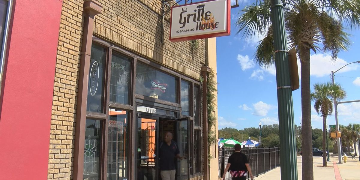 Grille House owner to host Thanksgiving gala