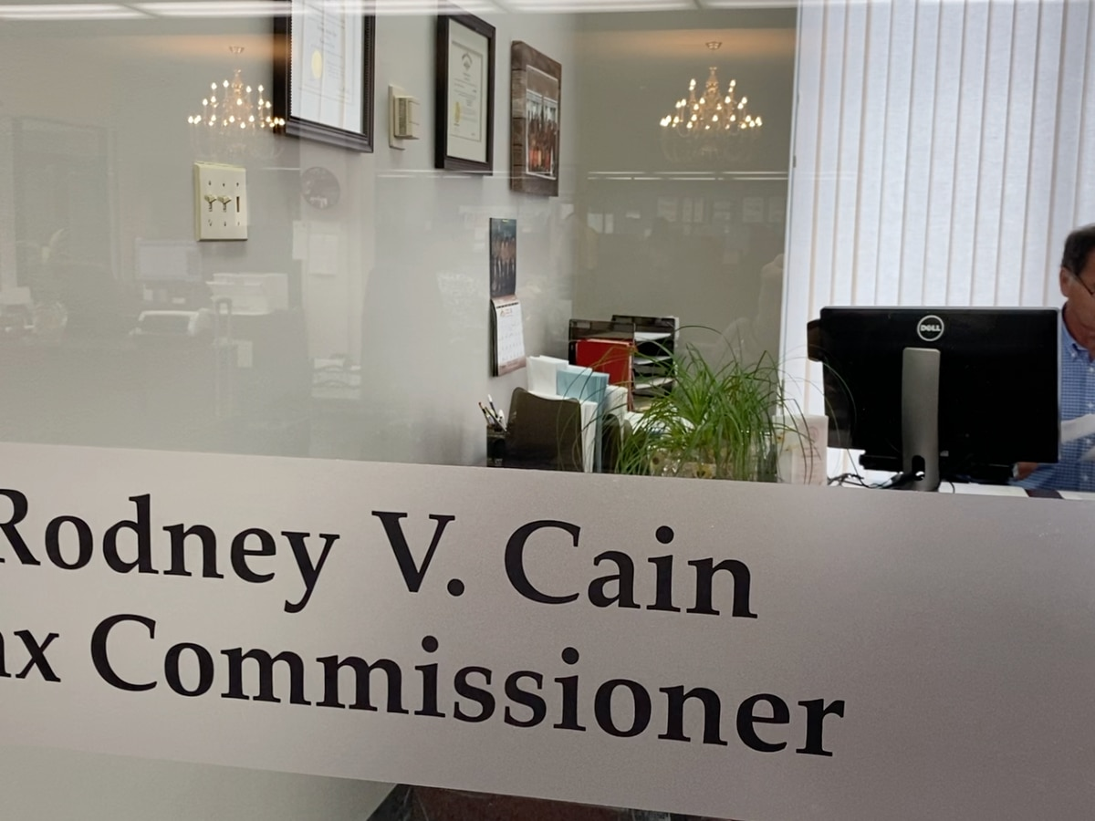 Lowndes County officials conclude investigation on tax commissioner