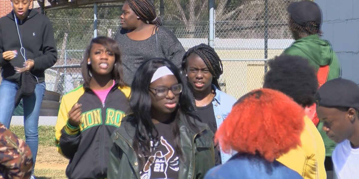 Monroe High students learn about safe driving from truck driver