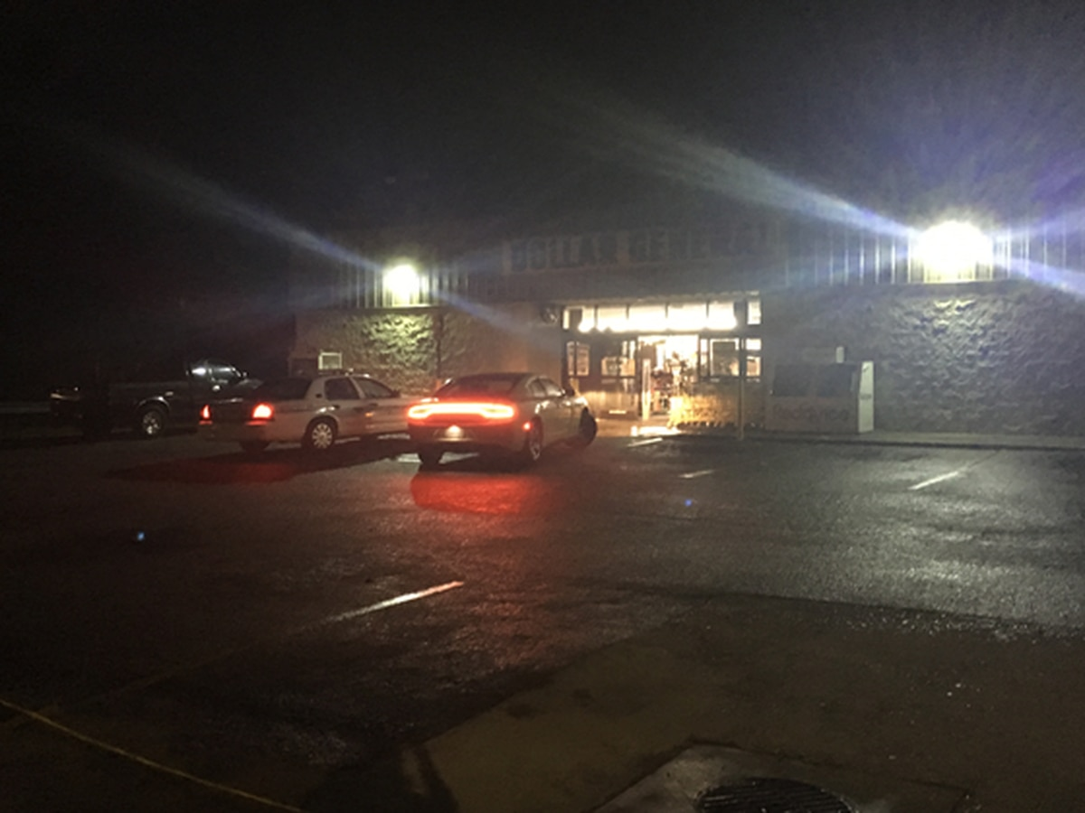 One shot during attempted armed robbery in Americus