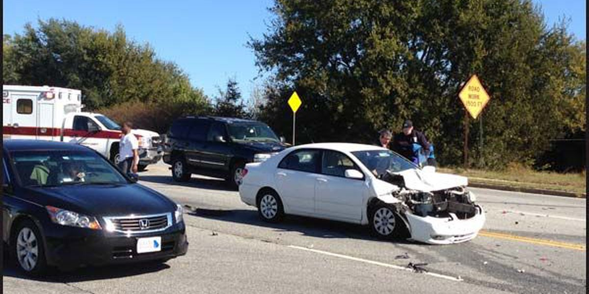 Traffic slowed by Jefferson wreck