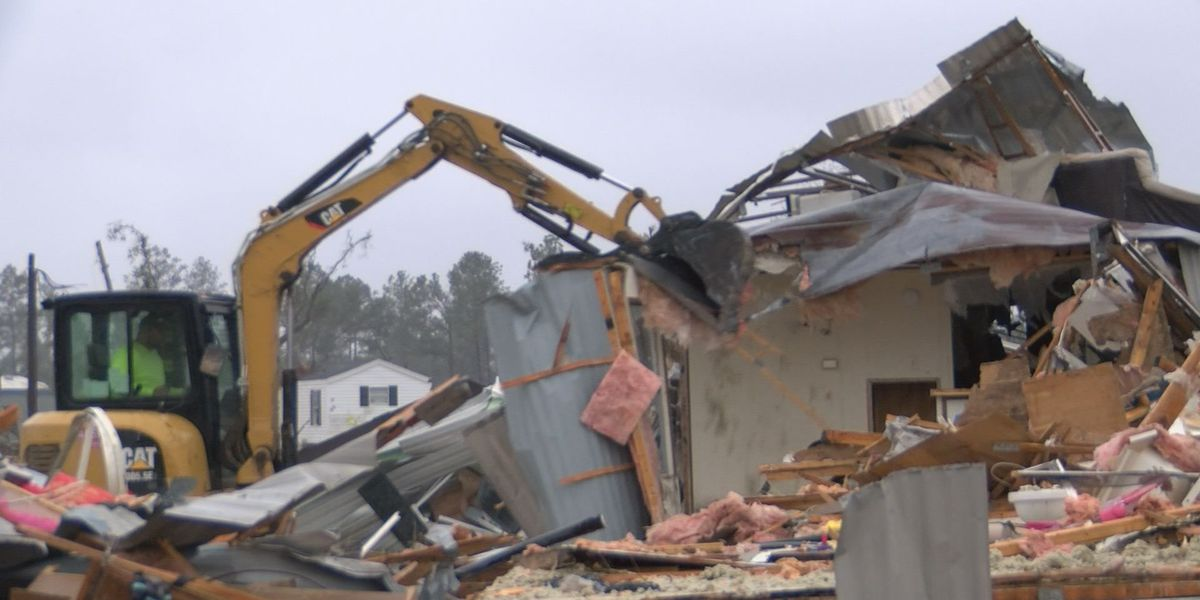 Demolition underway in Albany mobile home parks