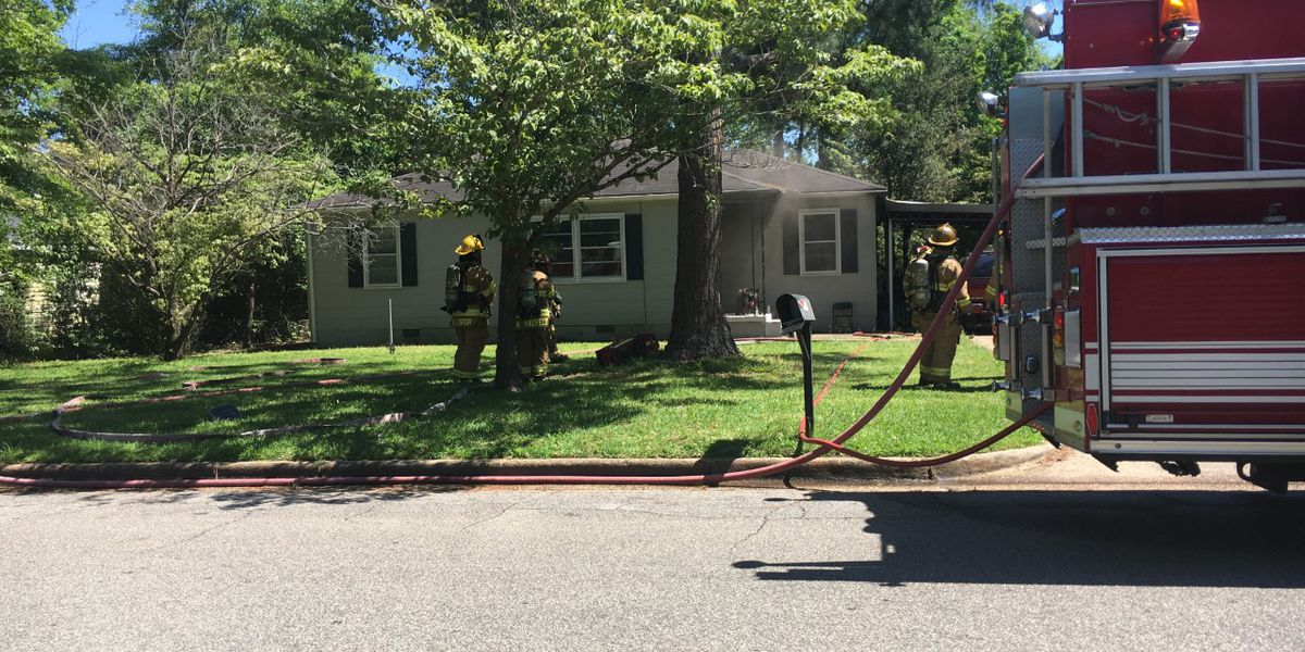 Albany family displaced after W. Oglethorpe house fire