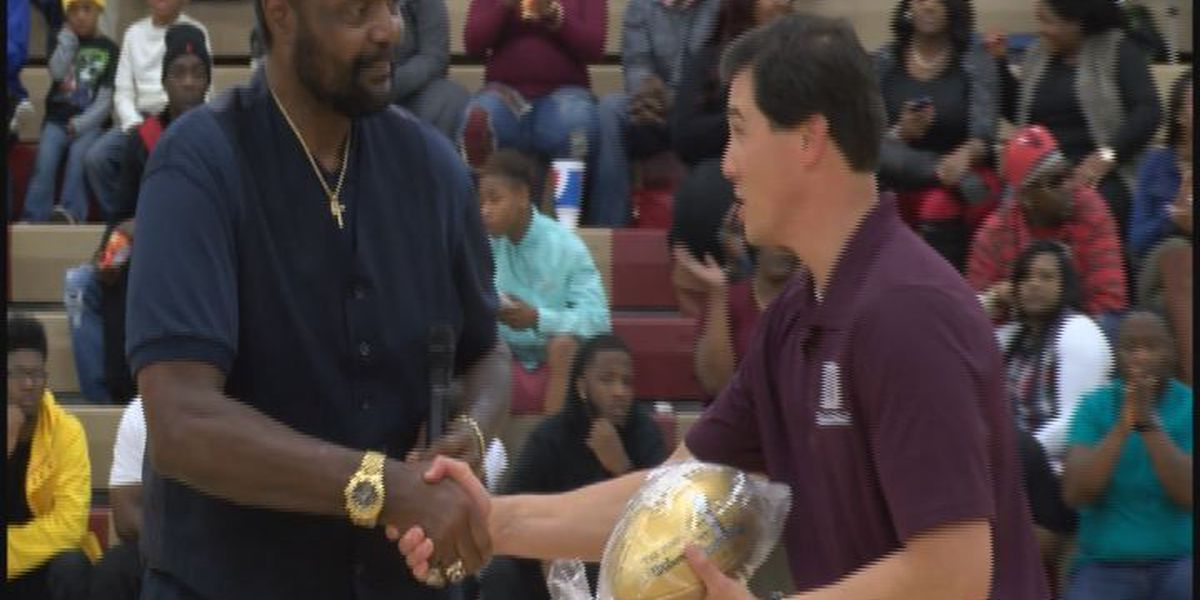 NFL Honored Dougherty high school during doubleheader