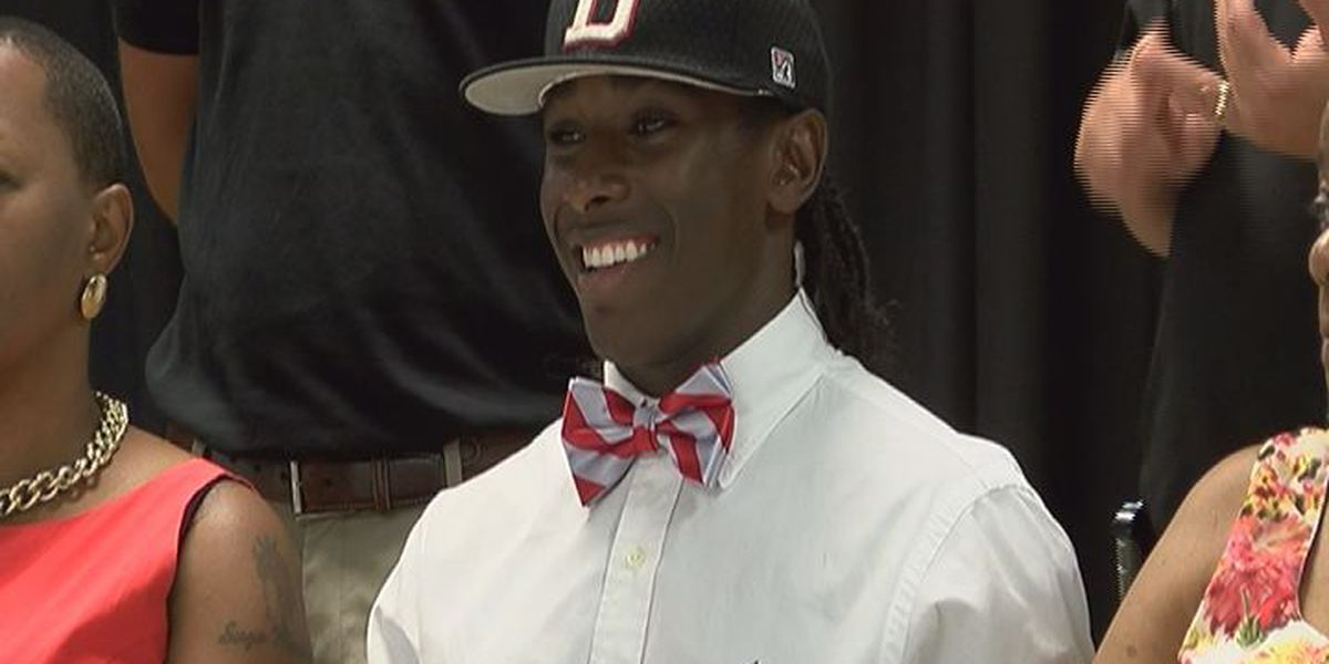 Worth's Gowdy signs with Darton St.