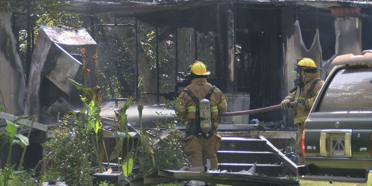 Albany woman displaced after mobile home fire
