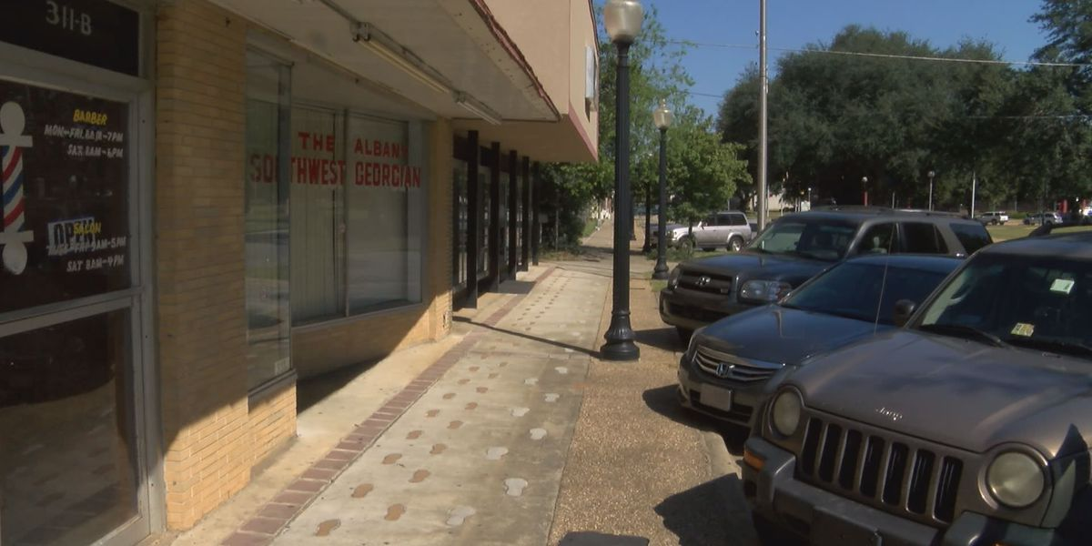 Albany man robbed at gunpoint outside of father's business