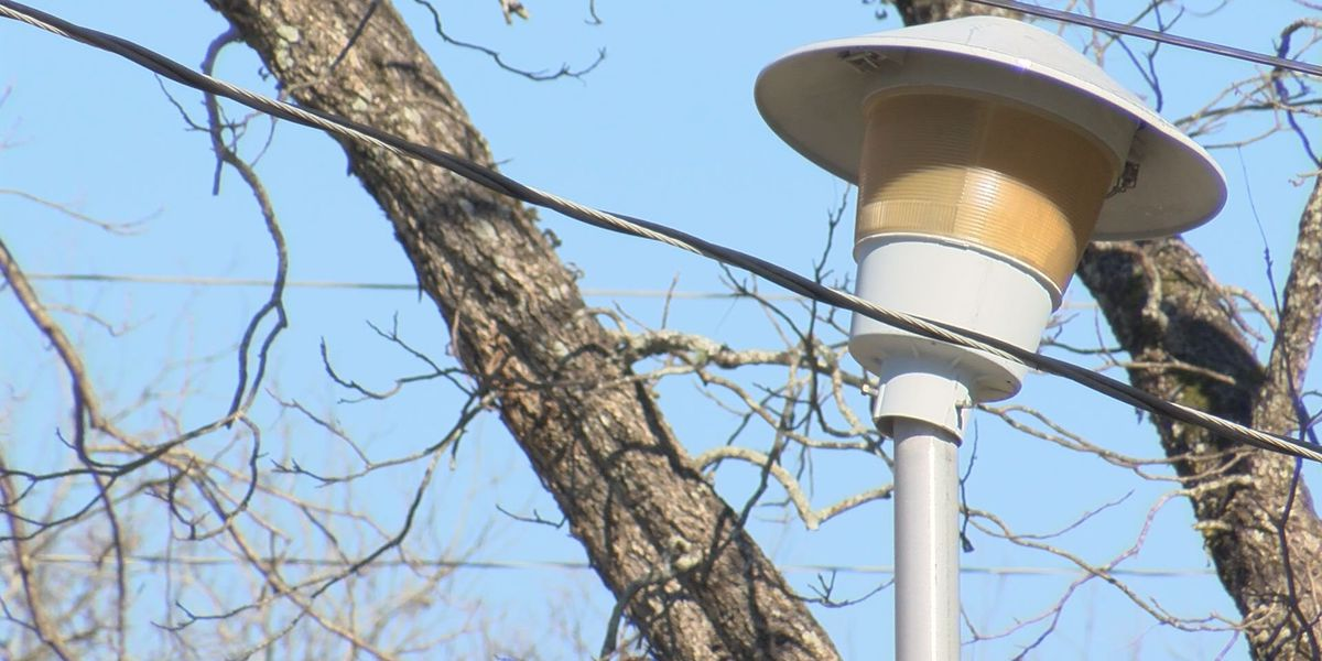 Over 1,000 street lights out in Albany