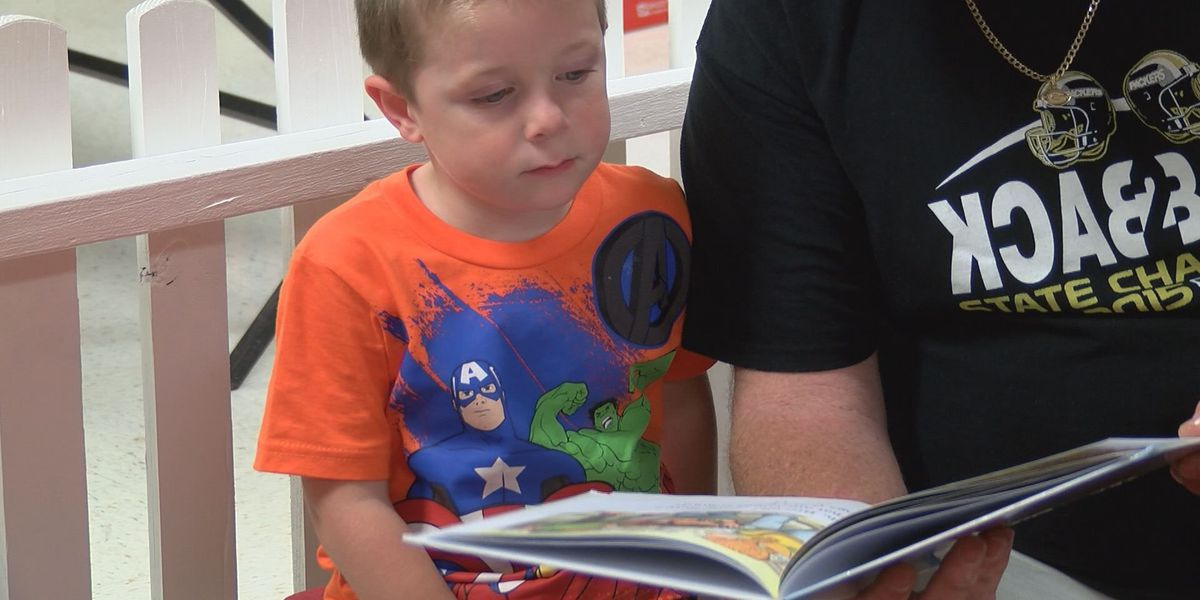 4-year-old recognized for reading 1,000 books before kindergarten