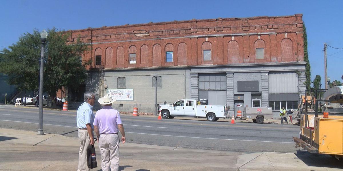 Demolition begins on downtown Cordele building