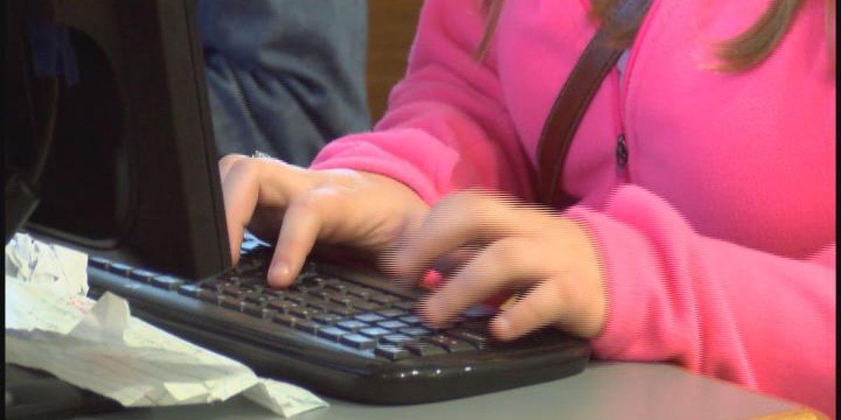 Commissioners discuss internet improvements