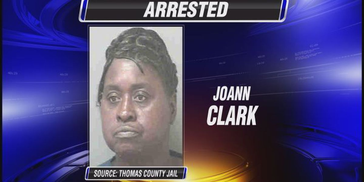 Woman arrested in grocery store wallet theft