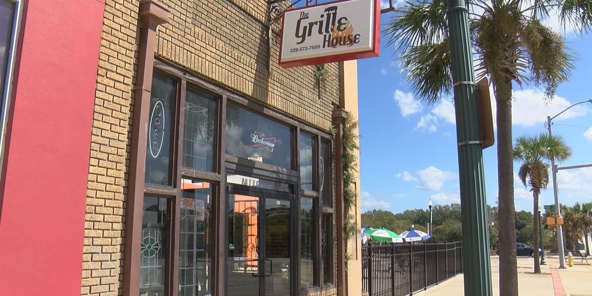 The Grille House opens along the river in downtown Albany Thursday
