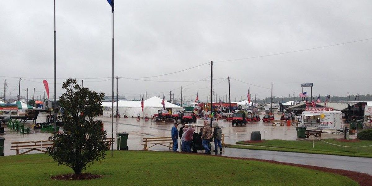 Thousands attend rainy opening to Sunbelt Ag Expo